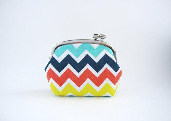 silver frame coin purse - rainbow chevron